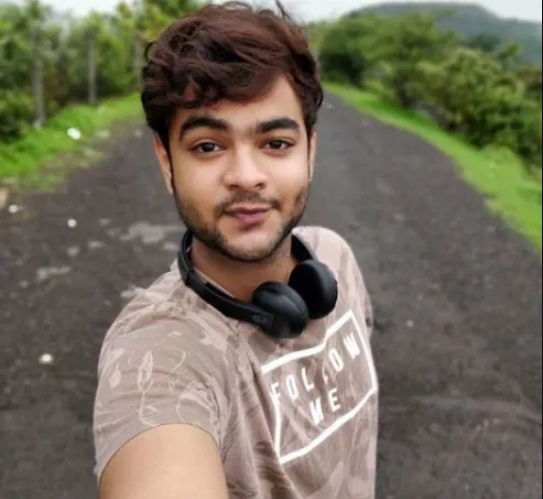 Upcoming Movies Star Actor Alam Khan Biography, Age, Movies, TV Shows, Net Worth, GF, Wife, Family, and Much More