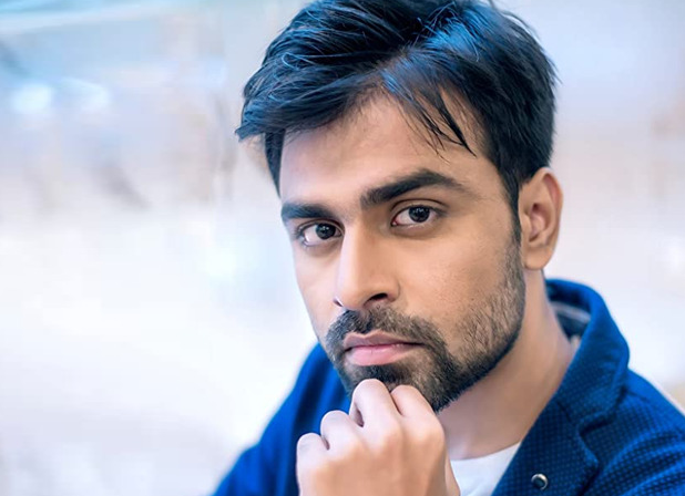Chaman Bahaar Movie Actor Jitendra Kumar Biography, Wiki, Age, Movies, TV Shows, Net Worth, GF, Wife, Family, and Much More